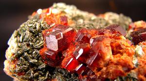Гранат камень - свойства, каким знакам зодиака подходит
