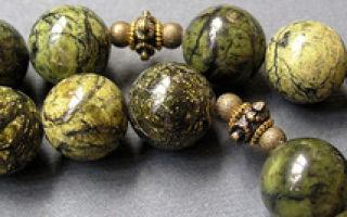 Магический камень змеевик: полезные свойства серпентина